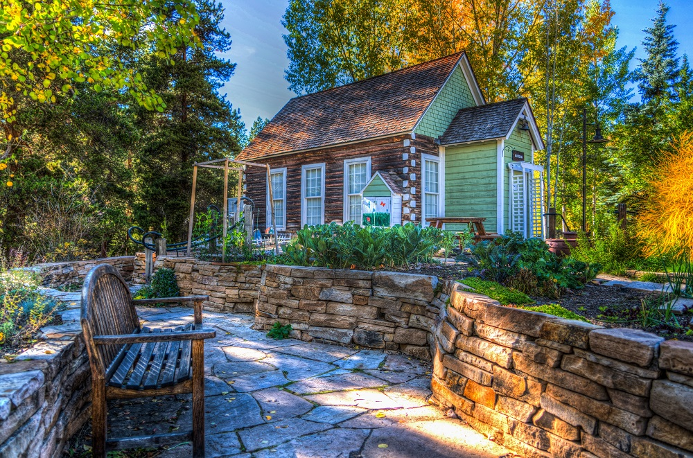 Landscaping elements and gardening for curb appeal
