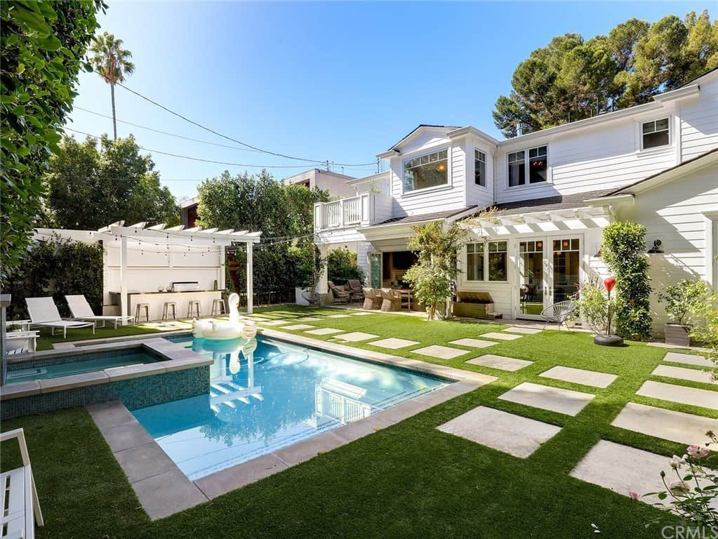 A Swimming Pool Adds Nearly $100,000 to a Typical Los ...