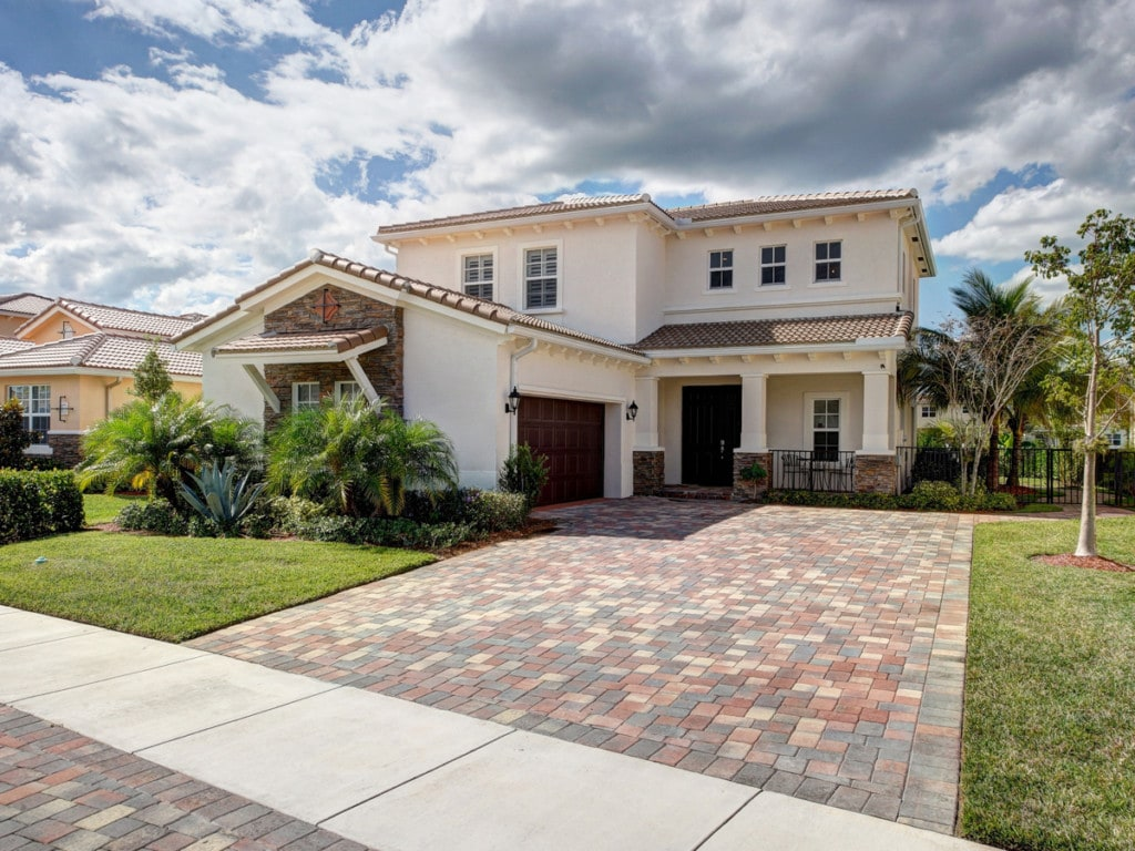 beautiful home in Jupiter, FL: Learn how to prepare your home for a hurricane this season
